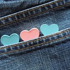 Herzen in Jeanstasche