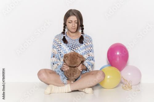 canvas print picture Mädchen mit Teddybär und Luftballon