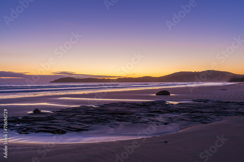 Fotobehang Nieuw Zeeland Koekohe beach at sunrise, Otago, New Zealand