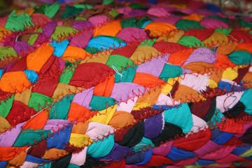 bunter stoff nähen kinderstoff dekoration patchwork