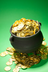 Pot of Gold: Gold Overflows Treasure Pot