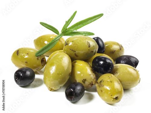 Papiers peints Legume Grüne und schwarze Oliven