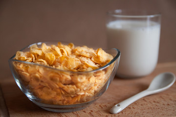 Corn flakes with cup of milk