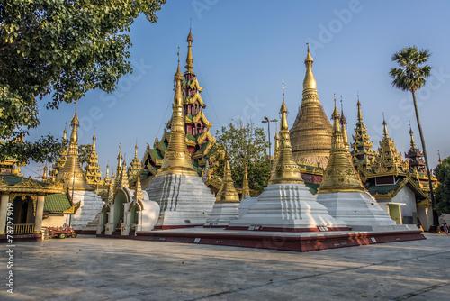 Shwedagon pagoda Yangon - 78727909