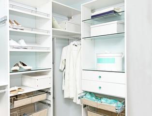 Detail closet