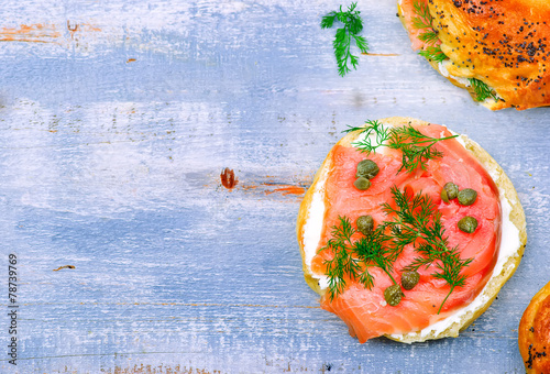 bagel  with a smoked salmon and cream cheese - 78739769