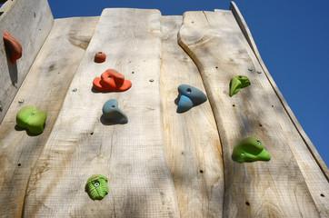 Kletterwand aus Holz