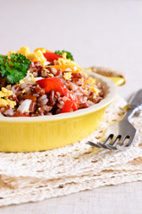Brown rice with vegetables and eggs