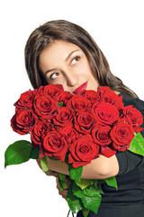 Портрет красивой девушки с букетом роз