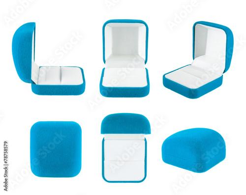 Velvet box for the ring isolated - 78758579