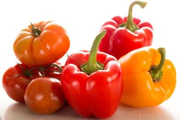 Paprika und Tomaten