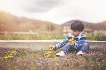 niño en primavera