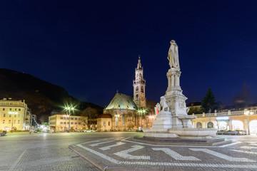 Bolzano - Piazza Walther Von Der Vogelweide