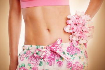 Bauch mit Blumen