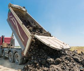 Camion di terra