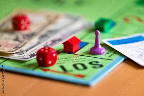 Spiel um Geld - 78823905
