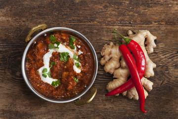 indisches Chicken Curry in einem Topf