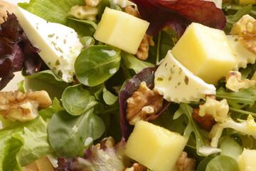 Ensalada de queso, nueces y manzana (Detalle)