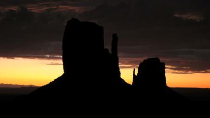 Monument Valley Sunrise Time Lapse - Pretty