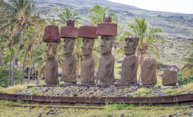Moais sur l'île de Pâques