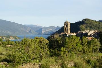 Castillo en el Pirineo de Huesca, Aínsa