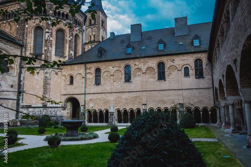 Leinwandbild Motiv Kreuzgang Bonner Münster