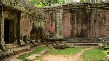 180 Degree Pan of Abandon Temple Archway and Courtyard - Angkor Wat, Cambodia