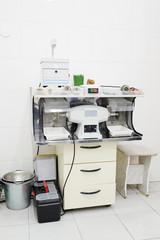 Dental equipment for polishing a prosthesis