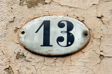 Hausnummer Dreizehn