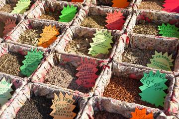 フランス マルシェ イメージ  様々な植物の香り材料 アロマ クローズアップ