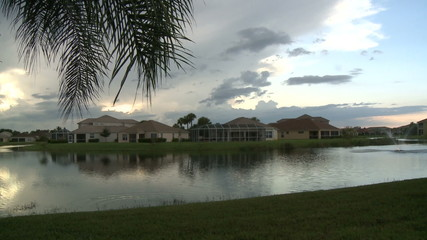 Subdivision Sunset / Clouds and water - Timelapse