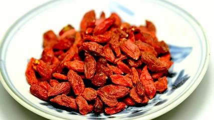 Gojii Beeren und Reishi Pilz chinesische Heilmittel