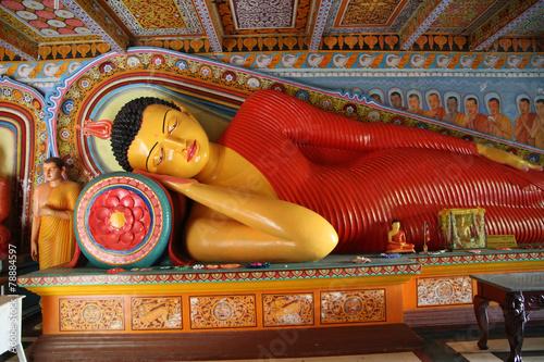 Foto op Plexiglas Standbeeld Buddha statue in the Isurumuniya temple, Srli Lanka