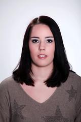 Junge Frau mit Make Up im Portrait