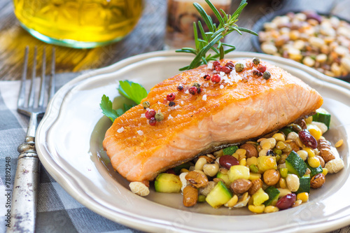 Grilled salmon - 78892948