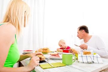 Frühstück in Familie