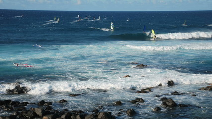 Maui Wind Surfers & Cool Waves - Time Lapse
