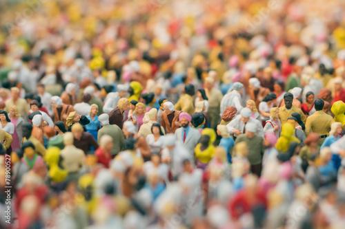 Menschenmengen-Miniatur - 78900527