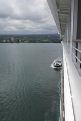 Tugboat docks cruise ship
