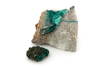 2 grüne Minerale