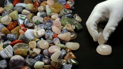 Choosing rose quartz stones