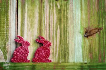 Osterdekoration auf Holz