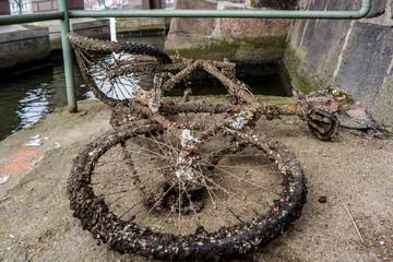 Altes Fahrrad verrostet