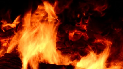kuvvetli odun ateşi
