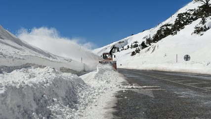 kar küreme ve püskürtme & yolları trafiğe açmak