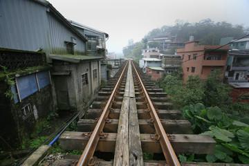 台湾の十分駅付近の町並みと線路 train window Republic of China