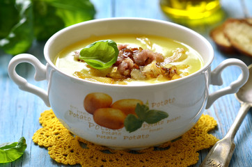 Potato cream soup.