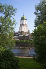 Башня Святого Олафа летним днем. Выборгский замок