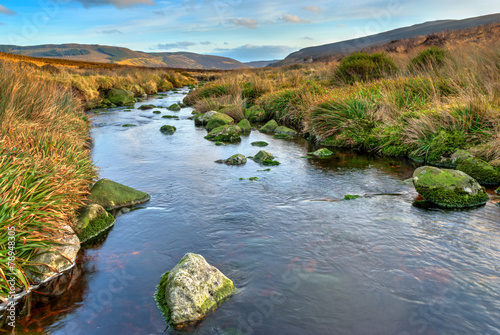 Fotobehang Rivier Dublin Mountains Lansdcape