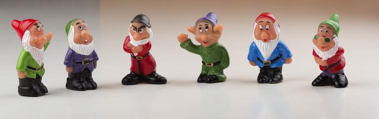 Six gnome